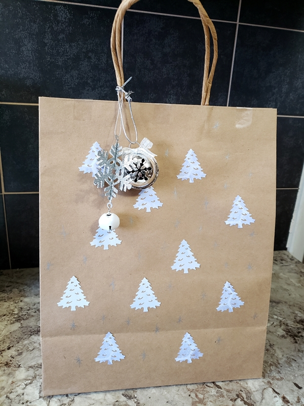 Tammy McEwen, Paper Bag Wrapping Creative Memories, Pine Tree Punch